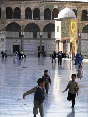 umayyad-mosque-coutyard