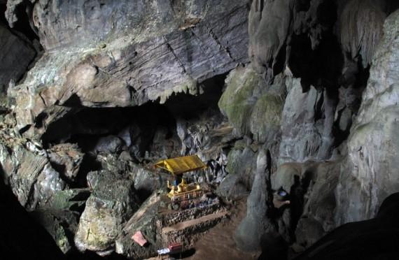 Reclining Buddha at Blue Lagoon cave in Vang Vieng, Laos